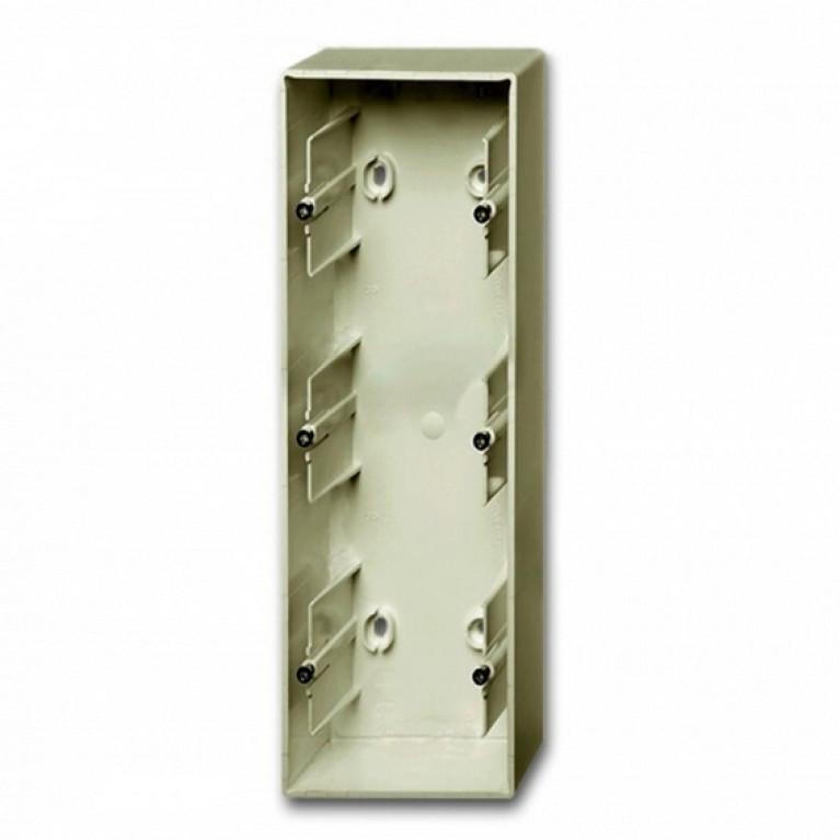 1799-0-0964 Basic55 Коробка 3-ная для накладного монтажа, шампань